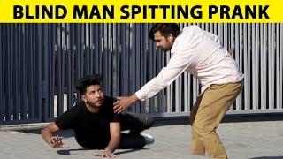Blind Man Spitting Water on Strangers at Emporium Mall - Lahori PrankStar