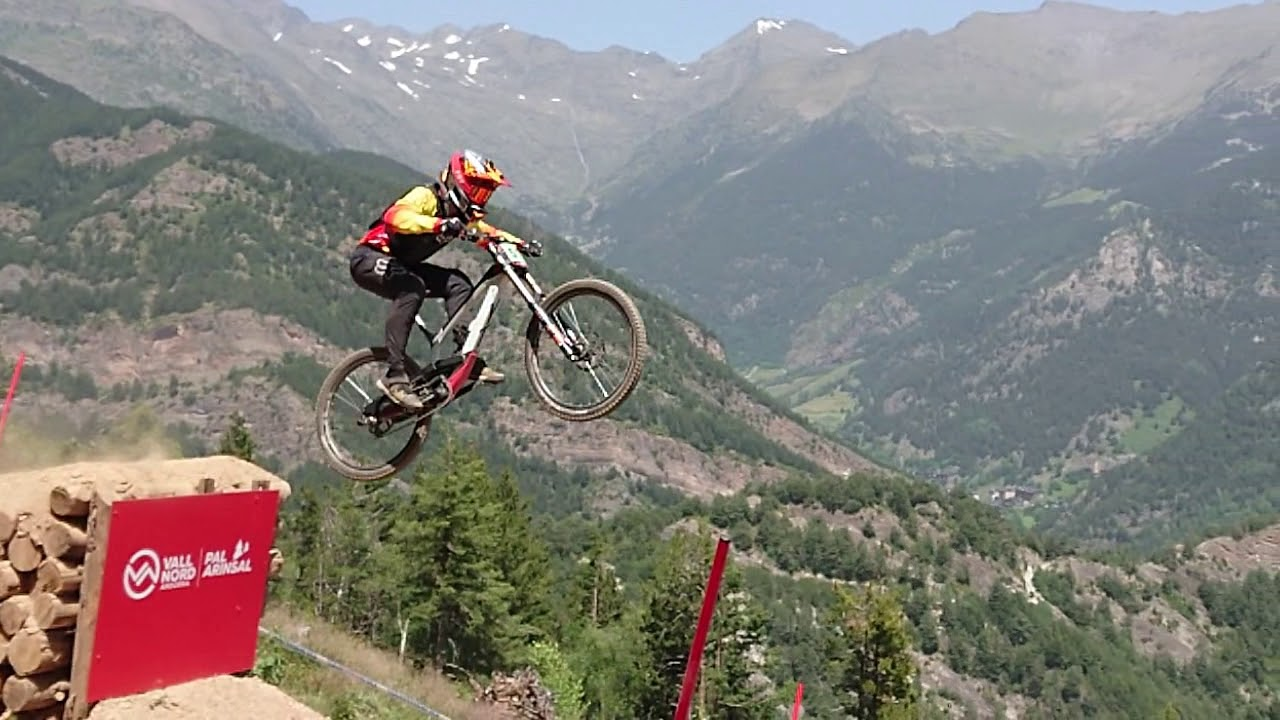 Slow Motion World Cup DH Vallnord 2019