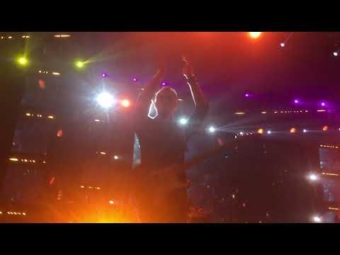 Roman Picisan - Dewa 19 ft Once Mekel Live at Synchronize Fest 2018