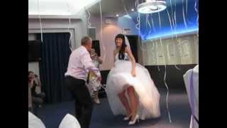 Зажигательный Свадебный танец невесты с папой!)))