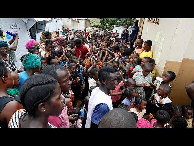 <h2><a href='https://webtv.eklogika.gr/siera-leone-fovi-gia-epidimies-meta-tin-katastrofi' target='_blank' title='Σιέρα Λεόνε: Φόβοι για επιδημίες μετά την καταστροφή'>Σιέρα Λεόνε: Φόβοι για επιδημίες μετά την καταστροφή</a></h2>