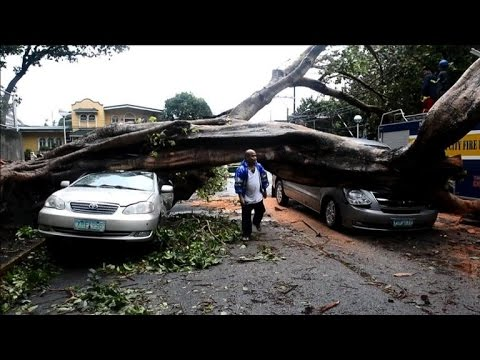 Typhoon shuts down Philippine capital