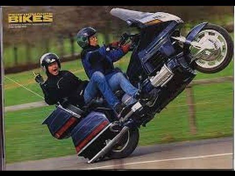 画像: Motorcycle crashes WHEELIE FAIL edition youtu.be