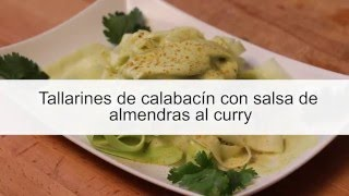Tallarines de calabacín con salsa de almendras al curry