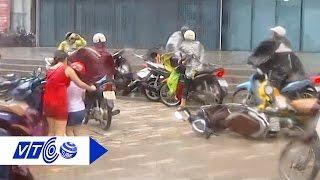 Xem người Hà Nội vật vã chống bão số 1 | VTC