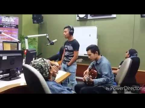 Syalyn band _ AsyikFm