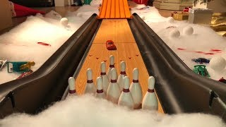 HOT WHEELS BOWLING FOR GIFTS Video