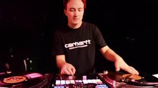 """DJ FMC - Karpe Diem """" Lett å være rebell i kjellerleiligheten din """"  / Flume - Mashup"""