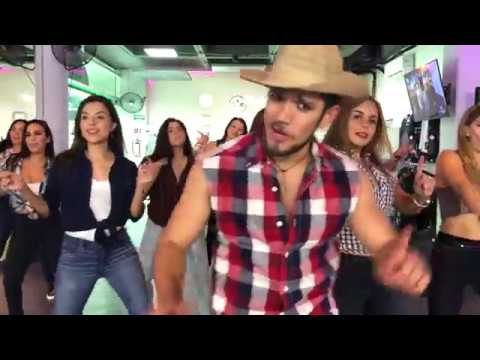 La Player (Bandolera) - Zion y Lennox by Cesar James Zumba Cardio Extremo Cancun