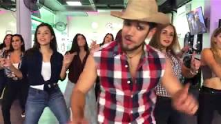 La Player (Bandolera) - Zion y Lennox by Cesar James Zumba Cardio Extremo Cancun