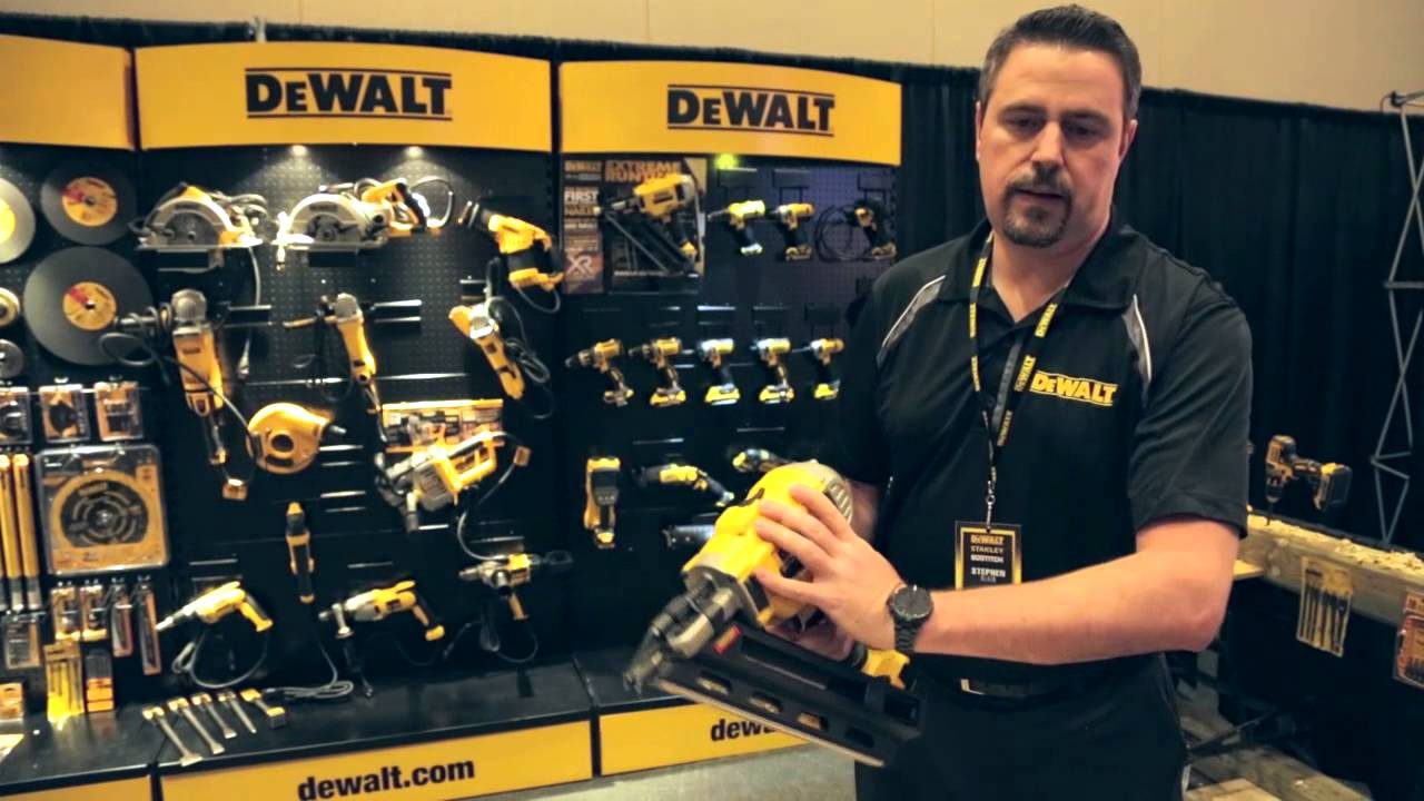 renovation contractor dewalt dcn690m1 20v max xr lithium ion brushless framing nailer