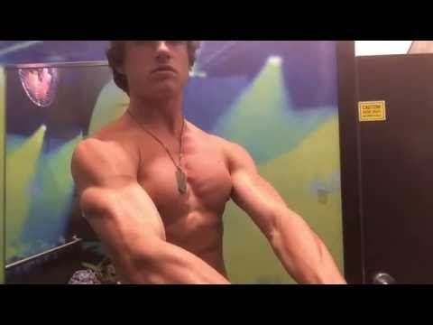 HD Muscle - Teen Bodybuilder Flexing