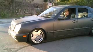 1997 mercedez benz e420 dropped on 17 amg wheels gettin it