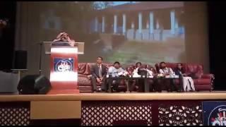 الكاتب اﻹماراتي أحمد إبراهيم يلقي كلمة ضيف شرف في الحفل السنوي لمسلمي الهند في دبي يوم 13 يناير 2017