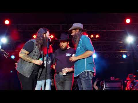 Cody Jinks joined by Whitey Morgan,Paul Cathen & Ward Davis - Cast No Stones (chorus only) 7/21/18