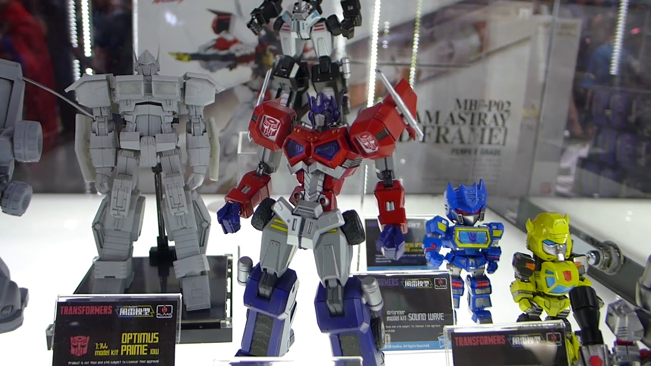 Flame Toys Transformers Model Kit Full Display Tour At Sdcc 2018
