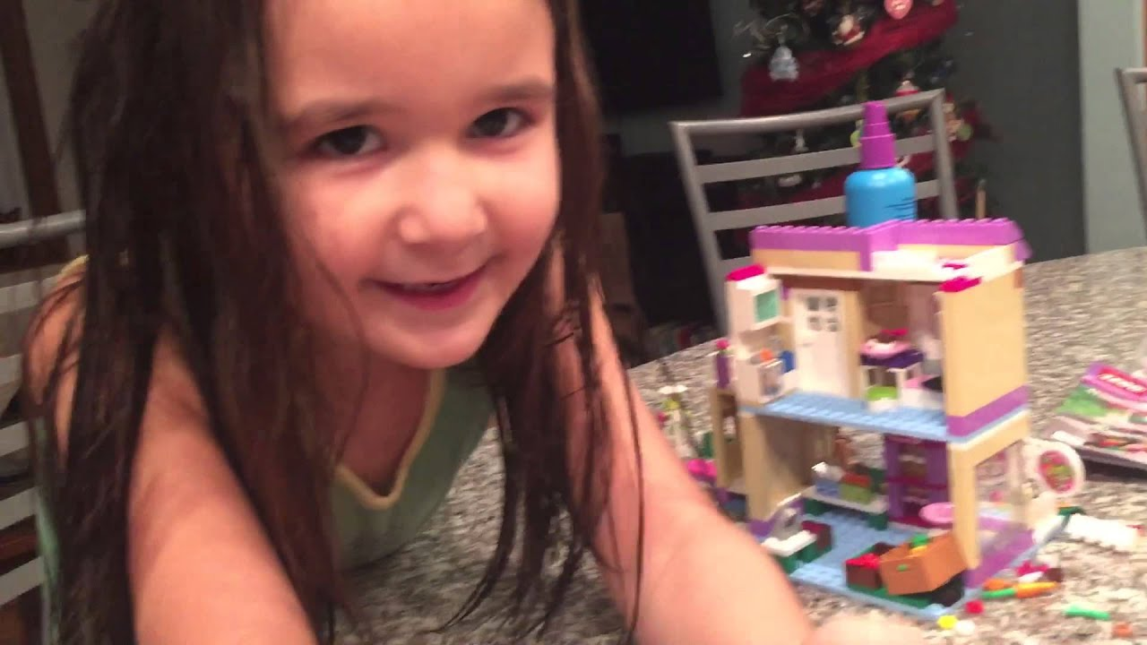 Download Luci tries out the Lego Friends market 41108