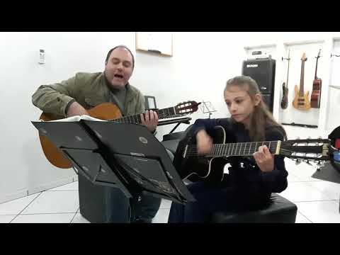 Aluna Luzia e Prof Manoel tocando a música Tordilho Negro - Território da Música