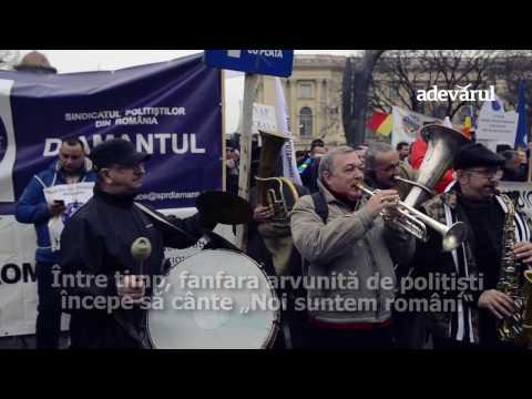 Poliţiştii au folosit statuia lui Iuliu Maniu pe post de suport pentru pancarte | adevarul.ro