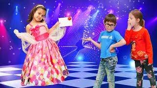 Barbie balosuna hazırlanıyoruz. Fındık Ailesi. Disney prensesleri