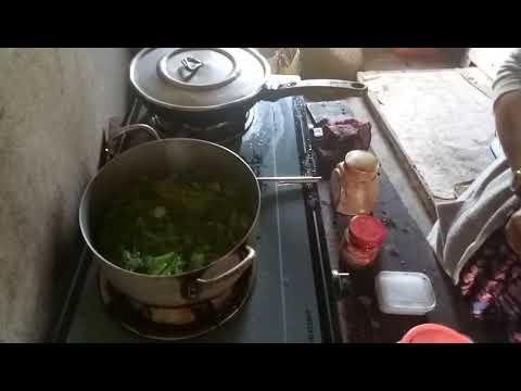 Canh cải bẹ xanh, với thịt gà xào sả ớt cho bửa ăn đơn giản và ngon