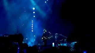 Noel Gallagher's High Flying Birds - Don't Look Back In Anger - Odyssey Arena, Belfast (03/03/15)