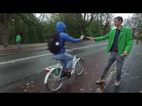 Groningen Bereikbaar deelt fietslampjes uit