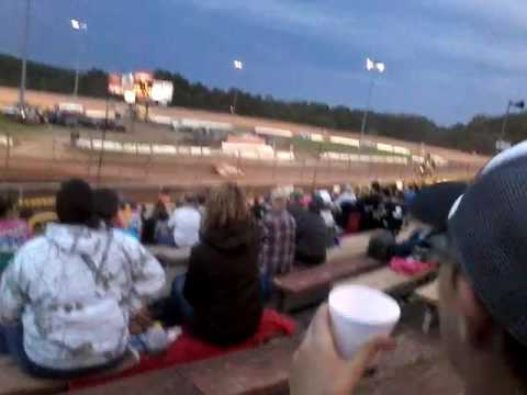 Late model feature at Lernerville Speedway June 9, 2017