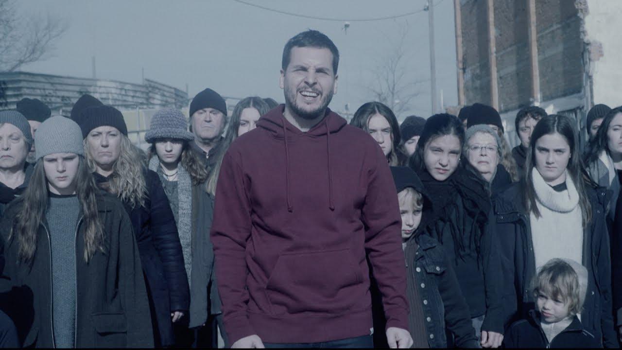 La Lírica participa en un videoclip d'en Pau Alabajos.