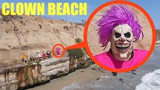 Bu palyaçonun sizi Clown State Beach'te kovaladığını gördüğünüzde, sizi uçurumdan atmasına izin VERMEYİN !!