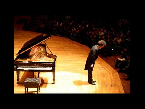 Evgeny Kissin - Beethoven, Piano Sonata No. 17 Op.31 No.2 'Tempest' (part 1 of 3)