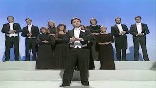 Status Quo - What You're Proposing,Sung By The Pavarotti Choir - Hale & Pace 2-10 1988