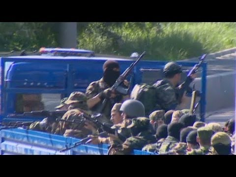 Battles rage at Donetsk airport