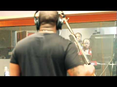 Lil Chuckee ft. Mack Maine - Break Thru (Official Video)