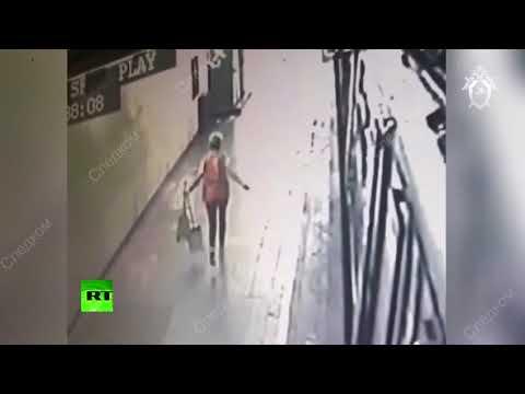 Подозреваемый в убийстве полицейского в московском метро скрывается с места преступления
