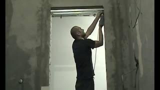 видео Высокие проемы. (Установка дверей)