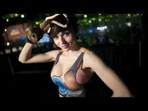 60 Seconds of Incredible Overwatch Cosplay - IGN Access