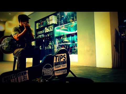 Mannish Boy - Muddy Waters (Busking At Fort Bonifacio Global City Highstreet)