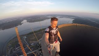 Rooftop Badass - 100 years of Polish independence - 300m HIGH #humanflag !!!
