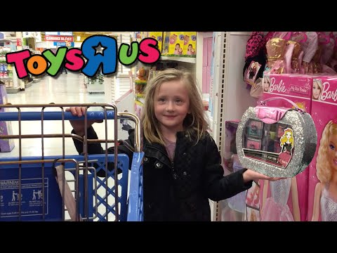 GIANT SURPRISE EGG - DISNEY, BARBIE, AND FROZEN - KIDS TOYS R US SHOPPING SPREE