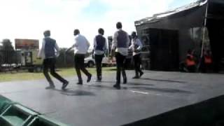 Repeat youtube video Dancers_JohnOrr (DJ Sbu on the Decks)