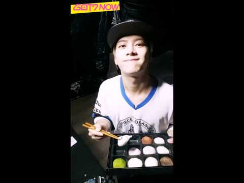[ENGSUB] 150819 GOT7 NOW - Jackson about to eat all the rice cakes