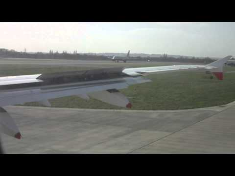 Amazing take off in London Heathrow featuring A380