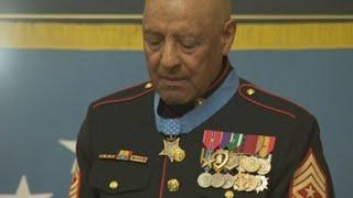 Trump condecora a soldado de Guerra de Vietnam por su heroísmo hace 50 años