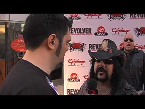 VINNIE PAUL Interview at Revolver Golden Gods 2010 on Metal Injection