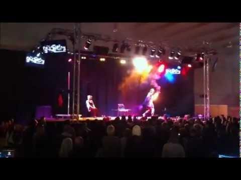Stripteaseur sean salon de l 39 rotisme 2012 youtube for Video salon erotisme