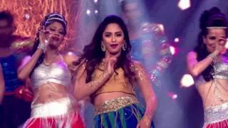 Krystle D'souza's Dances On Laila Main Laila |Moment|Grand Finale|The Voice India S2|12th March|9 PM