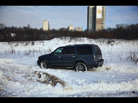 The Lincoln Navigator got stuck in the snow, how to help