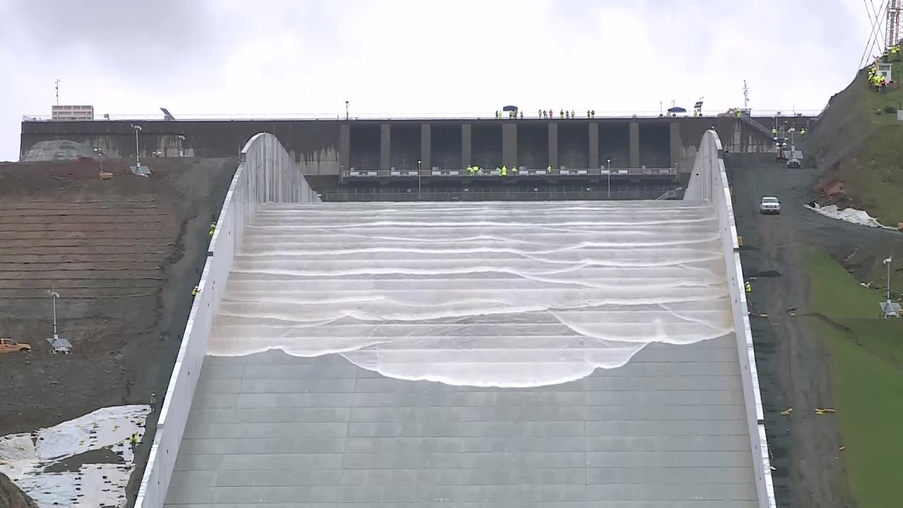 Raw Video: Oroville Dam Spillway Initial Water Test