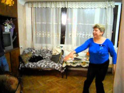 Толстая бабушка дала внуку смотреть порно видео онлайн